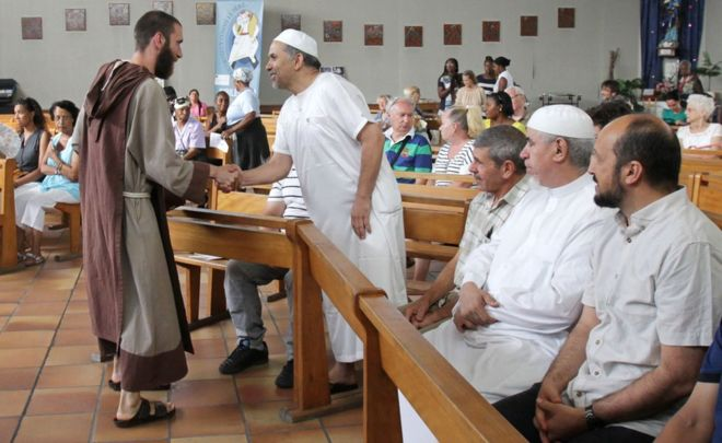 A catholic monk welcomed some Muslims