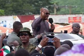 Mahama arrives in N/R despite anti-gov't protest