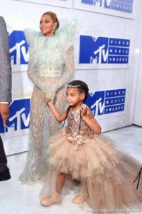 Red Carpet Photos! Tiwa Savage, Jidenna, Beyonce, Nicki Minaj, Britney Spears & More at the 2016 MTV Video Music Awards