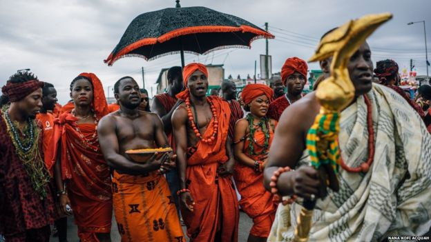 The Ga community, the traditional residents of Accra, take part in the event, with a chief sprinkling food as part of a prayer ceremony to encourage a bountiful harvest.