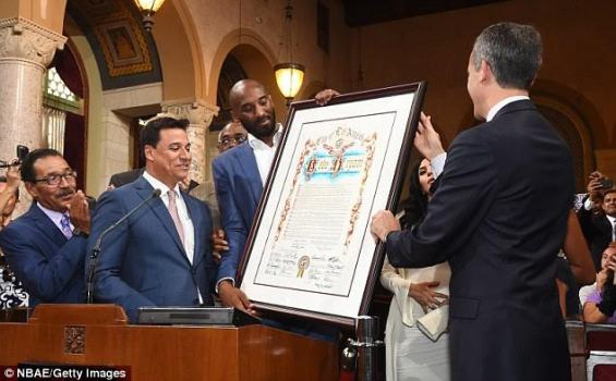 'Kobe Bryant day' NBA legend Kobe Bryant honored with his own day by Los Angeles mayor (photos)