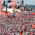 Turkey coup attempt: Istanbul rally against plot