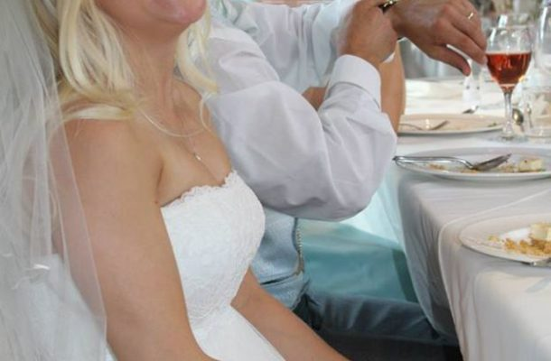 Woman puts wedding dress up for sale to pay for divorce