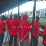 Government woos striking railway workers
