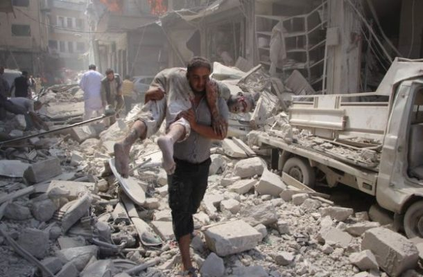 Syria conflict: Deadly air strike on market as truce hopes rise