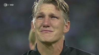 VIDEO: Bastian Schweinsteiger weeps after last match for German national team