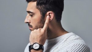 VIDEO: Gadget allows users to take phone calls by touching their ear