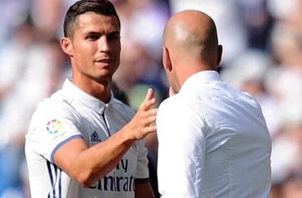 Cristiano Ronaldo: Real Madrid coach Zinedine Zidane defends substitution