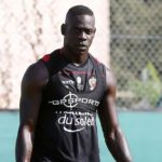 Balotelli sees red after sending Nice top of Ligue 1