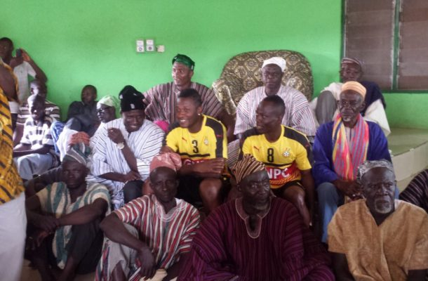 Gulikpe Naa donates a cow, 100 tubers of yam to Black Stars team ahead of Uganda clash