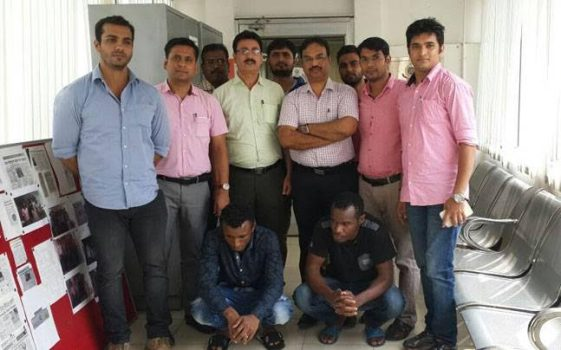 Photo: Two Nigerian men arrested for fraud in Delhi, India