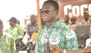 Cocobod woos youth into cocoa growing