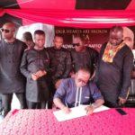 GFA led by Kwesi Nyantekyi sign KABA's book of condolence