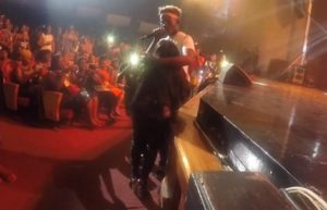 Shocking Video: Lady goes crazy after touching Mr. Eazi at Concert