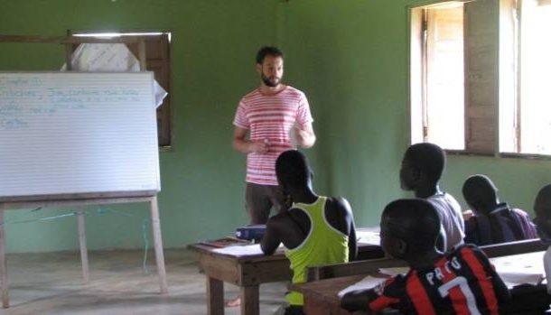American author Avi Duckor-Jones: Life is different in Ghana