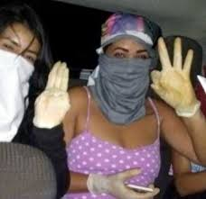 Notorious female gang members share a selfie before gruesomely stabbing girl from rival gang | Graphic Video