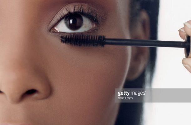 Does Mascara make your eyelashes fall out?