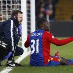 Ghana defender Jeffrey Schlupp wobbles off injured in Crystal Palace win