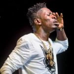 Shatta Wale's photographer gives blogger 'dirty slap' at Kinaata's event
