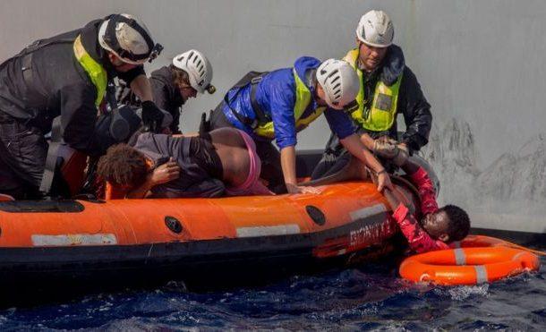 Migrants drown as dinghy sinks off Libya coast