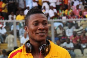 VIDEO: Multi-talented Asamoah Gyan renditions Bisa Kdei's 'I Love You'