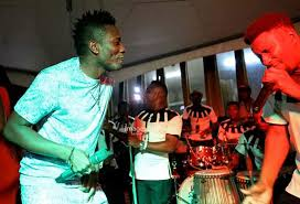 VIDEO: Asamoah Gyan, Kalybos, Lilwin show crazy dance moves