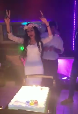 VIDEO: Arabian woman throws huge party to celebrate her divorce