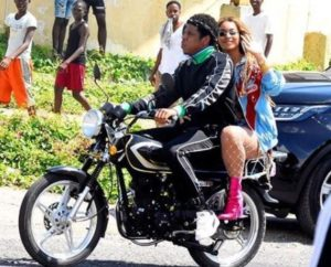 VIDEO/PHOTO: Jay-Z and Beyonce cause stir as they go for a bike ride in Jamaica