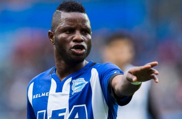 Mubarak Wakaso to hold crunch talks with Deportivo Alaves over future