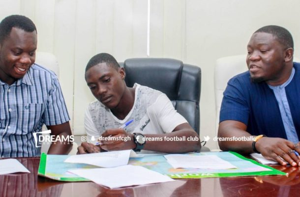 Dreams FC sign youngster Ibrahim Issah