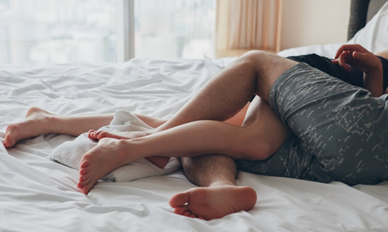 10 benefits of sleeping naked you probably didn't know