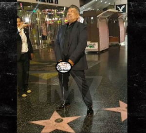 VIDEO: US comedian 'urinates' on Donald Trump's star on the Hollywood Walk of Fame