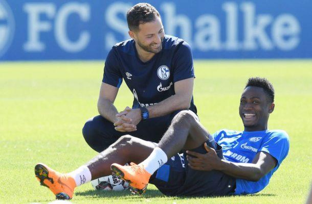 Schalke 04 celebrate defender Baba Rahman on his 24th birthday