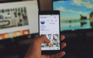Therapists reveal 5 hidden dangers of using social media