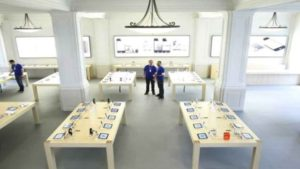 'Exploding' iPad prompts Apple shop evacuation