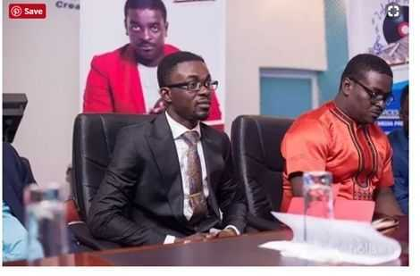 Angry Menzgold Customers Threaten To Beat Up Journalists (VIDEO)