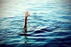 Boy drowns in swimming pool