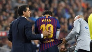 Messi to miss El Clasico with fractured arm