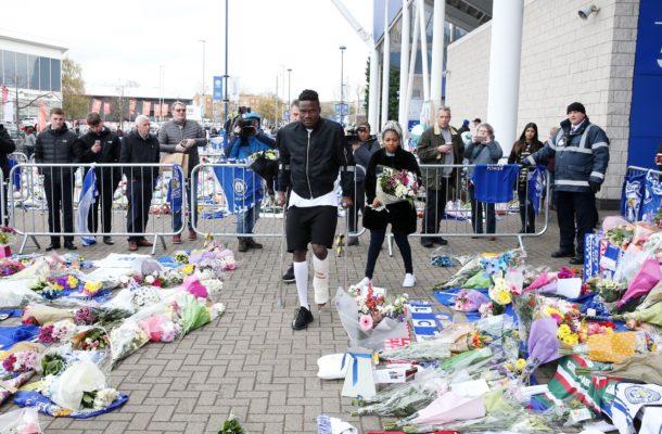 Injured Leicester defender Amartey visits stadium to pay tribute