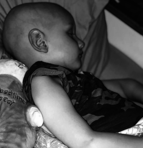 """""""Mummy, I'm sorry for this"""" - Heartbreaking final words of 5-year-old boy as he dies of cancer in his mother's arm"""