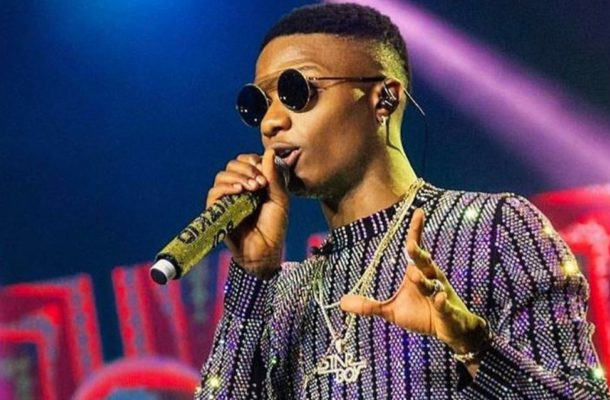 Wizkid sends stern warning to Nigerian politicians and voters ahead of elections