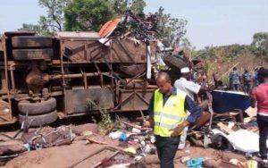 Truck runs over school kids; kills 5