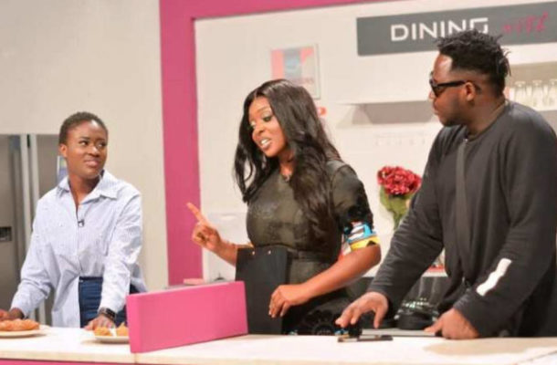 VIDEO: Fella Makafui and beau Medikal battle for best cook in Yvonne Okoro's  Kitchen