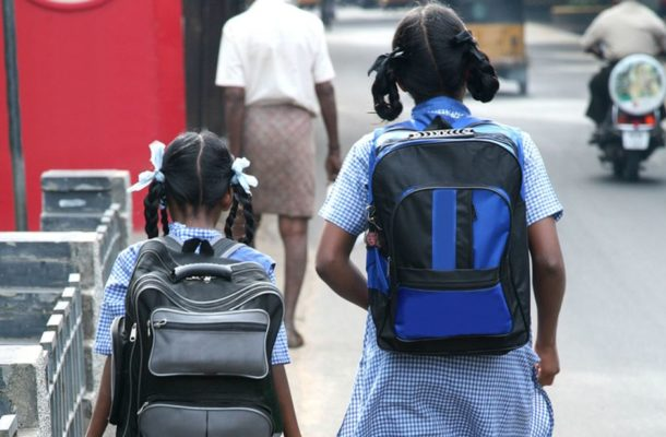 India bans homework and heavy schoolbags to prevent spinal damage