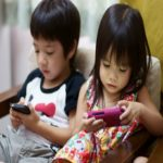 Children using cellphone will easily get 12 types of canceɾ when growing up - STUDY reveals