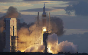 Delta IV-Heavy Rocket With US Spy Satellite Blasts Off From California (VIDEO)