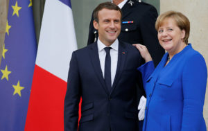 Macron, Merkel Arrive in Aachen and Sign New Treaty on Cooperation (VIDEO)