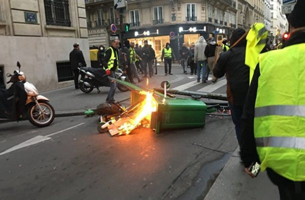 France Faces Ninth Saturday of Yellow Vests Protests (VIDEO)