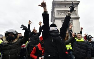 Rage Across France: Over 100 Arrested in 'Yellow Vests' Protests (PHOTO, VIDEO)