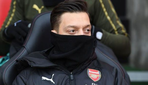 Unai Emery: Mesut Ozil's Arsenal omission defended by manager